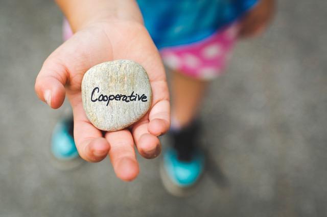 Cooperative Hand
